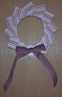 Origami_wreath_12-08_sudsol_choc_bow_small