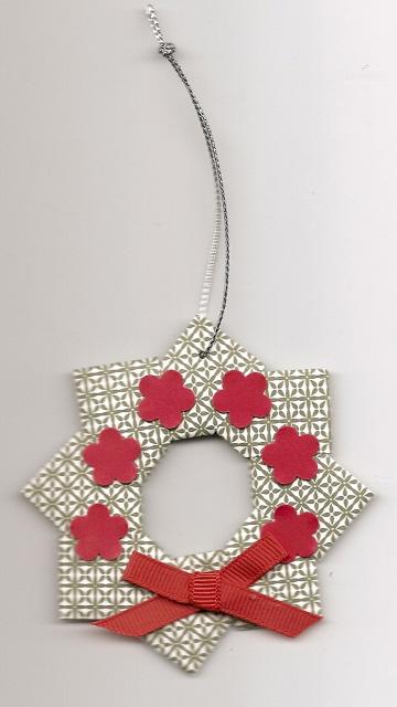 Origami_wreath_12-08_sudsol_medium