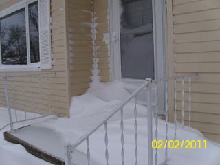 Front-door_3steps-up