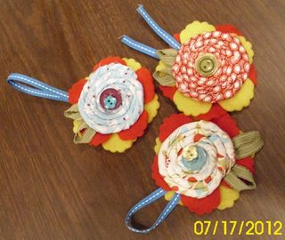 Lns_reunion-nite_7-17-12_fabric-flowers