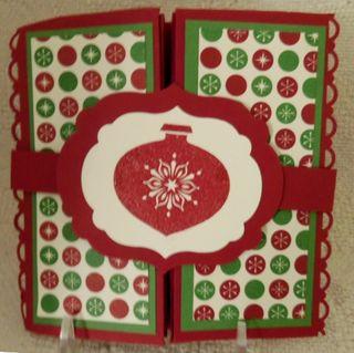 Tues-lns-shoebix_7-17-12_christmas-pop-up-box_closed