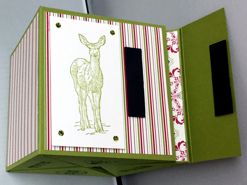 Square-roll-up-gift-box_24